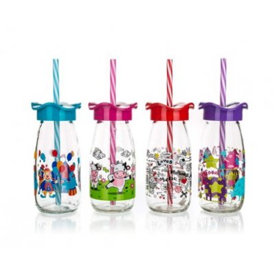 Kid's bottle for milk or smoothie with straw