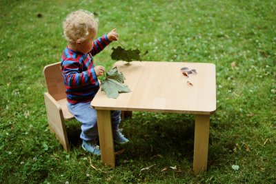 Children's chair for sitting and dining beginners