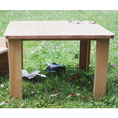 Children's table for sitting and dining beginners