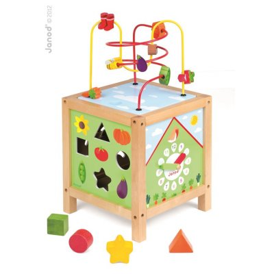 Didactic cube garden with a maze and activities from 1 year