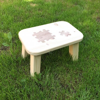 Table with PUZZLE